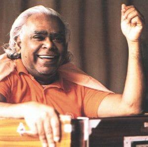 Swami Vishnudevananda Karma Yoga | Ashram de Yoga Sivananda | Yoga | France