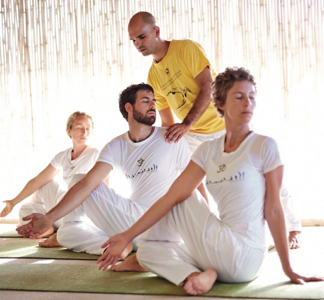 Asana: Body Expansion and Beyond | Ashram de Yoga Sivananda