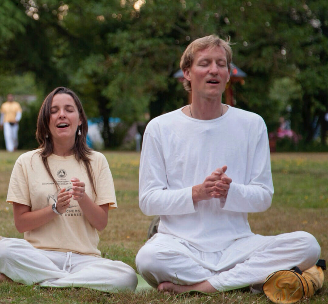 Further Training for Yoga Teachers: How to Teach Meditation & Mantra Chanting | Ashram de Yoga Sivananda | Yoga | France