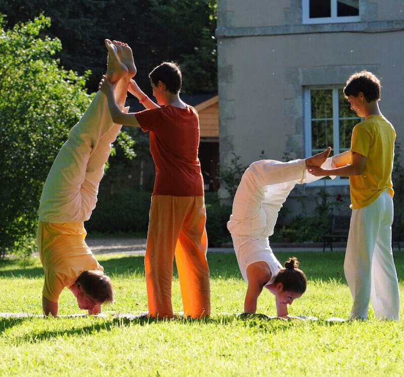 Further Training for Yoga Teachers: The Art of Correcting Asanas | Ashram de Yoga Sivananda | Yoga | France