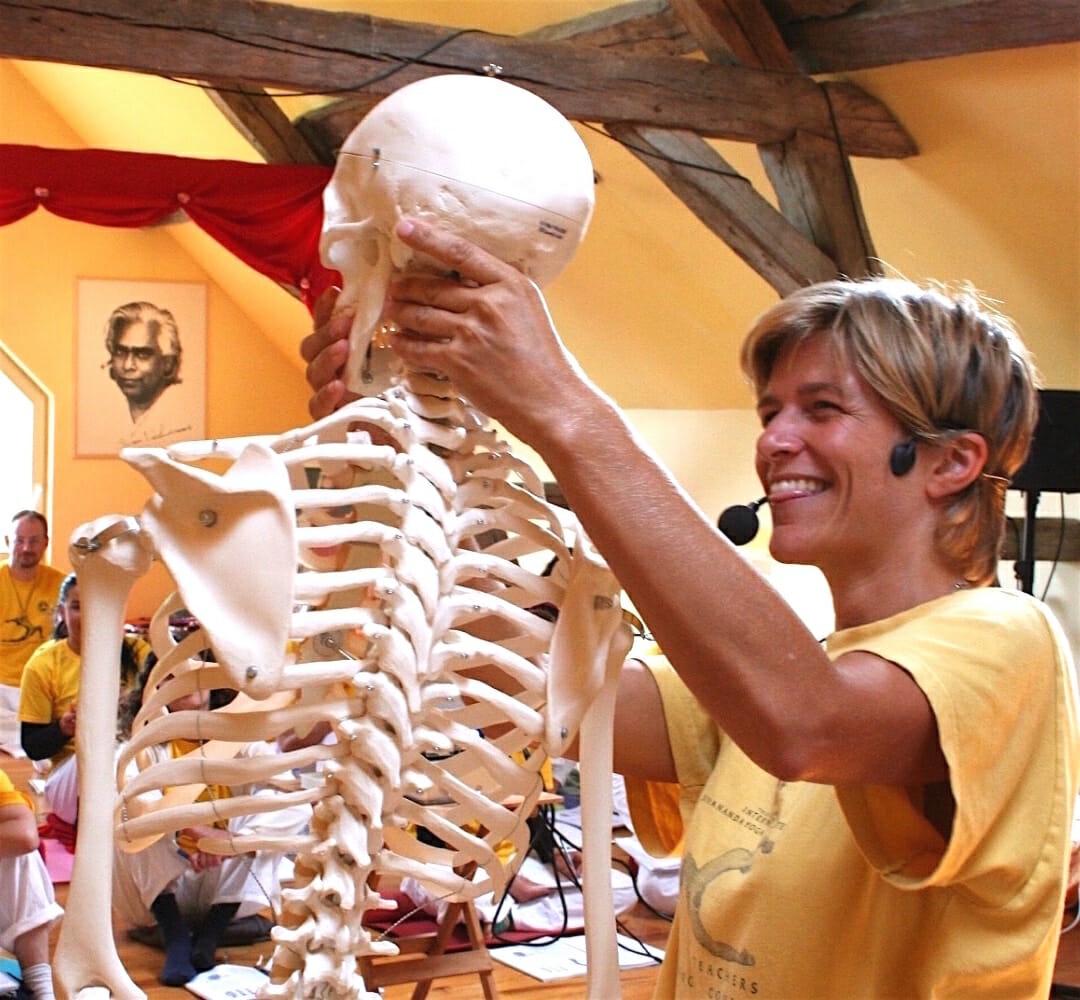 Yoga and Anatomy | Ashram de Yoga Sivananda | Yoga | France