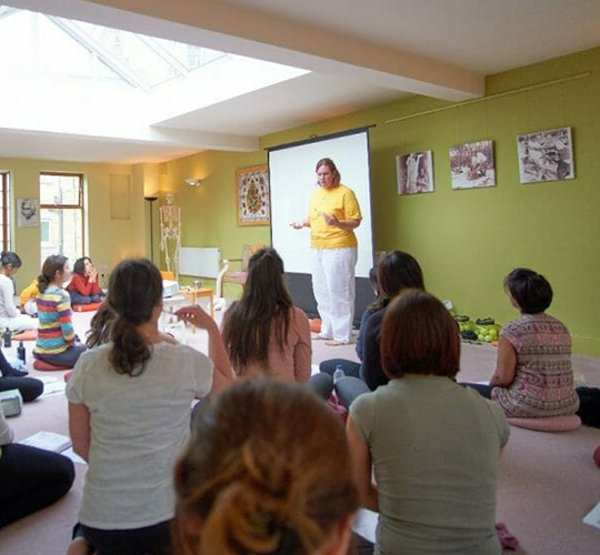 Yoga and Anatomy | Ashram de Yoga Sivananda | Yoga | France