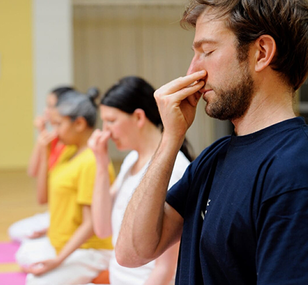 Group Pranayama | Ashram de Yoga Sivananda | Yoga | France